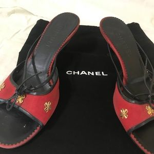Vintage CHANEL Red & Navy Very Special Mules